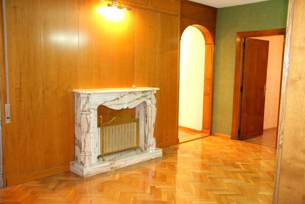 Sala de estar piso coso junto plaza españa zaragoza
