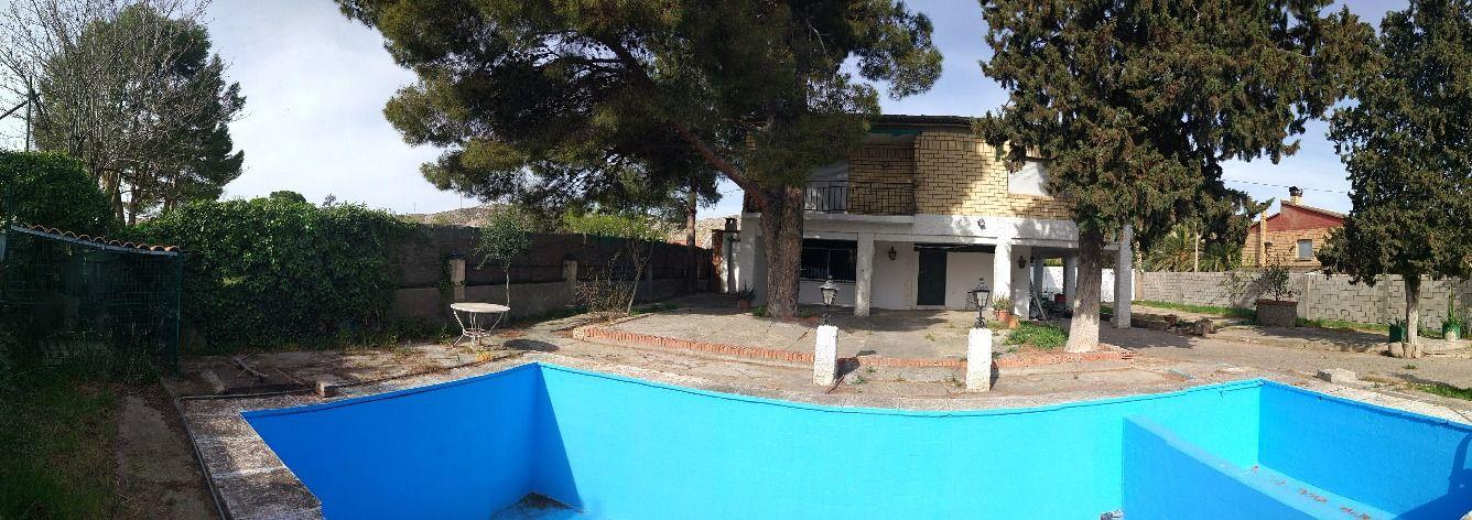 Chalet alfajarin zaragoza con piscina publipisos - Chalet con piscina ...
